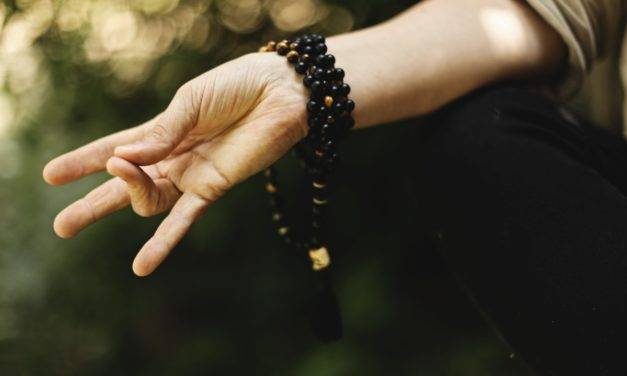 A Beginner Guide To Finger Yoga