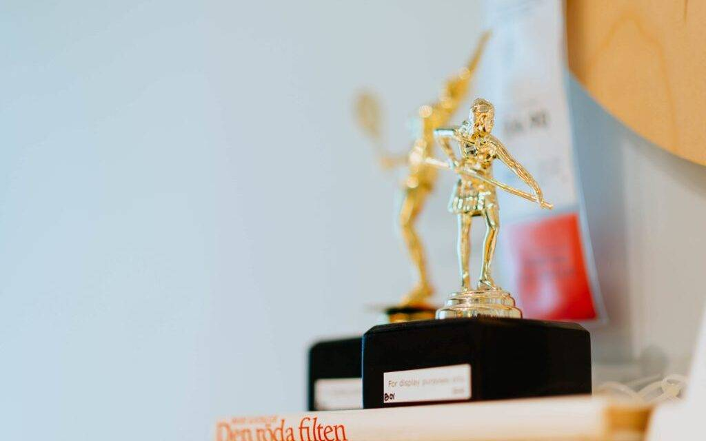 You Will Never Believe These Bizarre Truths of Employee Appreciation Trophy